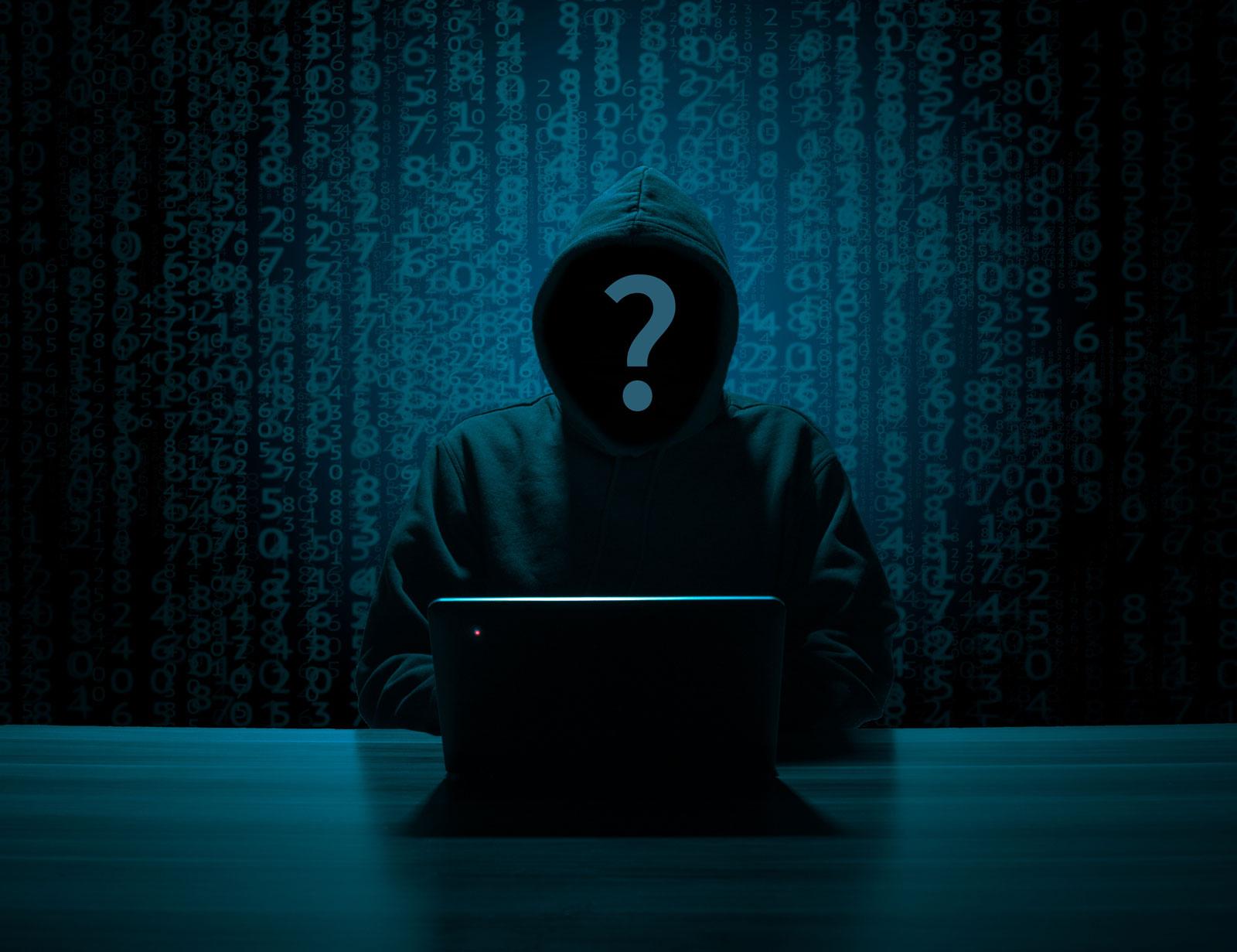 hacker-3342696