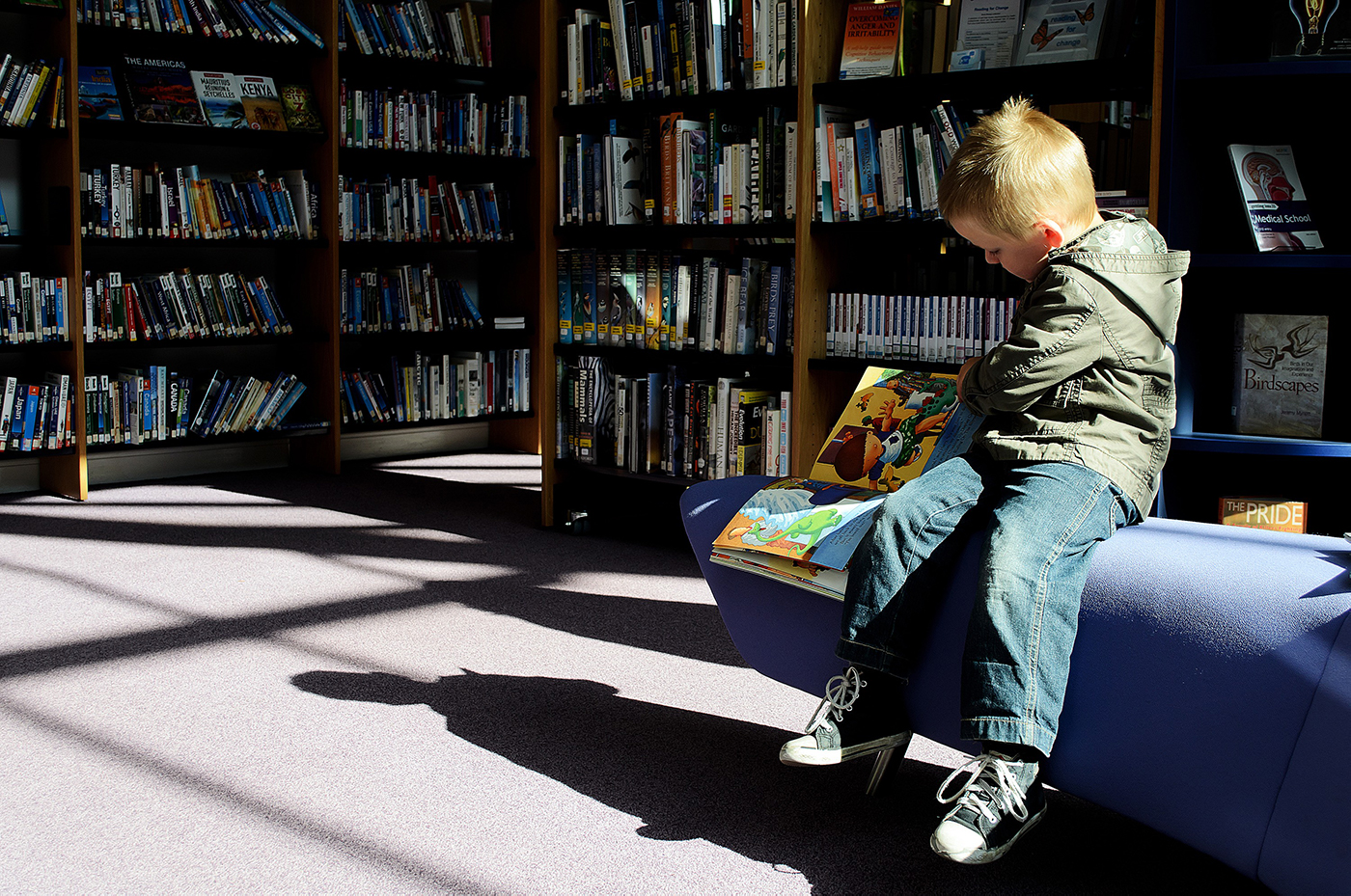 child_and_books_208362